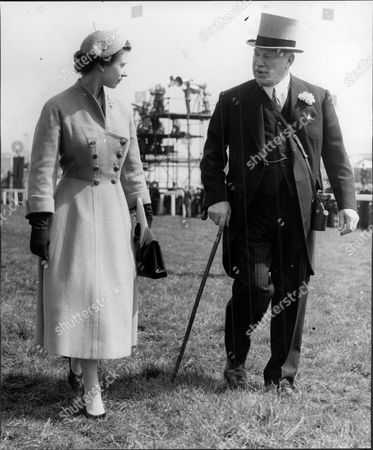 Harry Primrose The 6th Earl Of Rosebery With Queen Elizabeth Ii At Epsom On Derby Day (albert Edward) Harry Meyer Archibald Primrose 6th Earl Of Rosebery Kt Pc (8 January 1882 Oo 31 May 1974) Styled Lord Dalmeny Until 1929 Was A British Politician Who Briefly Served As Secretary Of State For Scotland In 1945. In 1909 He Married Dorothy Alice Margaret Augusta Grosvenor Daughter Of Lord Henry George Grosvenor. They Had A Son Archie Primrose Lord Dalmeny (1910oo1931) And A Daughter Lady Helen Dorothy Primrose (1913-1998). With The End Of The War Came Also Rosebery's Divorce In 1919. He Eventually Re-married In 1924 To Eva Isabel Marion Bruce Daughter Of The 2nd Baron Aberdare Of Duffryn. Their Only Child Neil Archibald Primrose Was Born In 1929. In 1931 Rosebery's Eldest Son Archibald Died At The Age Of 21 From Blood Poisoning While At Oxford.