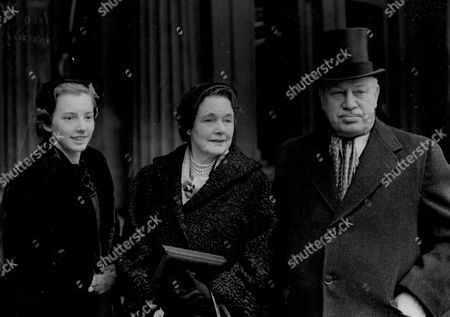 Harry Primrose The 6th Earl Of Rosebery At His Investiture With Wife Eva Countess Of Rosebery And Daughter Lady Helen Primrose (albert Edward) Harry Meyer Archibald Primrose 6th Earl Of Rosebery Kt Pc (8 January 1882 Oo 31 May 1974) Styled Lord Dalmeny Until 1929 Was A British Politician Who Briefly Served As Secretary Of State For Scotland In 1945. In 1909 He Married Dorothy Alice Margaret Augusta Grosvenor Daughter Of Lord Henry George Grosvenor. They Had A Son Archie Primrose Lord Dalmeny (1910oo1931) And A Daughter Lady Helen Dorothy Primrose (1913-1998). With The End Of The War Came Also Rosebery's Divorce In 1919. He Eventually Re-married In 1924 To Eva Isabel Marion Bruce Daughter Of The 2nd Baron Aberdare Of Duffryn. Their Only Child Neil Archibald Primrose Was Born In 1929. In 1931 Rosebery's Eldest Son Archibald Died At The Age Of 21 From Blood Poisoning While At Oxford.