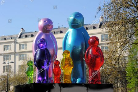 Jelly Baby Family sculpture by Mauro Perucchetti