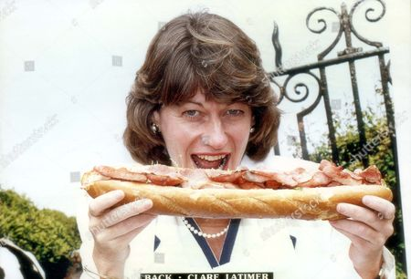 Clare Latimer Former Downing Street Caterer Posing With Baguette 1994. Pkt2466-169550.