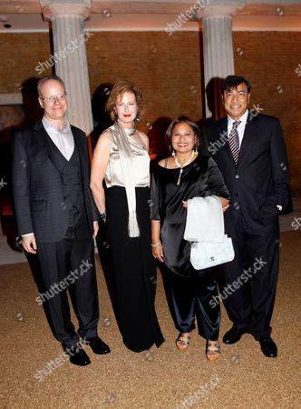 Hans-Ulrich Obrist, Julia Peyton-Jones, Usha Mittal and Lakshmi Mittal
