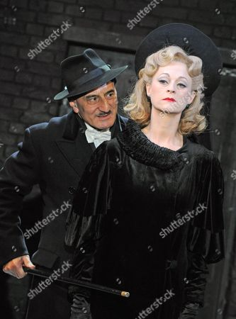 Stock Picture of Henry Goodman as Arturo Ui, Lizzy McInnerny as Betty Dullfeet