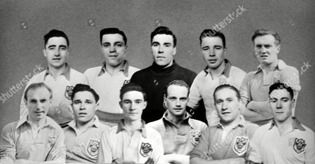 Blackpool FA Cup Finalists 1951 Composite group Back row : H Kelly E Shimwell W Farm T Garrett E Hayward Front row : S Matthews W Perry J Mudie H Johnston S Mortensen A Brown Great Britain FA Cup Finalists 1951: Blackpool