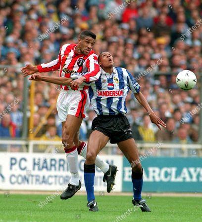 Brian Deane (Sheff Utd) Carlton Palmer (Sheff Wed) Sheffield Wednesday v Sheffield United FA Cup Semi Final at Wembley 3/4/93 Great Britain London FA Cup SF: Sheff Wed 2 Sheff Utd 1