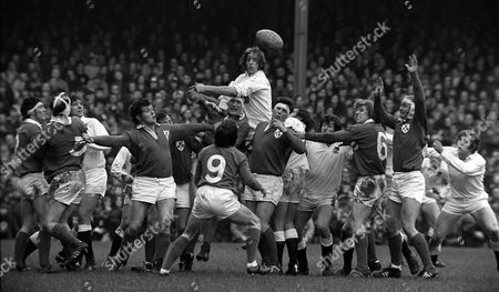 Players at a lineout; (left to right) Ken Kennedy Conleth Feighery Alan Brinn Sean Lynch ?? John Moloney (9) Willie John McBride Chris Ralston (in air) Stewart McKinney Mike Burton Peter Dixon Fergus Slattery Denis Hickie and Tony Neary England v Ireland 5 Nations Rugby Championship Twickenham 12/02/1972 Great Britain London 5 Nations Championship