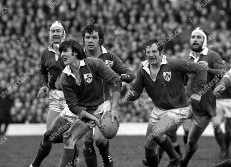 Ireland players (left to right); Denis Hickie John Moloney (with ball) John 'Sean' Lynch Ray McLoughlin and Conleth Feighery England v Ireland 5 Nations Rugby Championship Twickenham 12/02/1972 Great Britain London 5 Nations Championship
