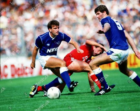 Ian Marshall and Kevin Ratcliffe (Everton) foil Kenny Dalglish FA Charity Shield 1986 at Wembley Liverpool v Everton Great Britain London 1990 Charity Shield: Liverpool 1 Man Utd 1
