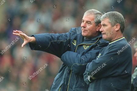 Walter Smith the Everton Manager and his assistant Archie Knox stand on the touch line Wimbledon v Everton FA Carling Premiership 3/10/98 Great Britain London