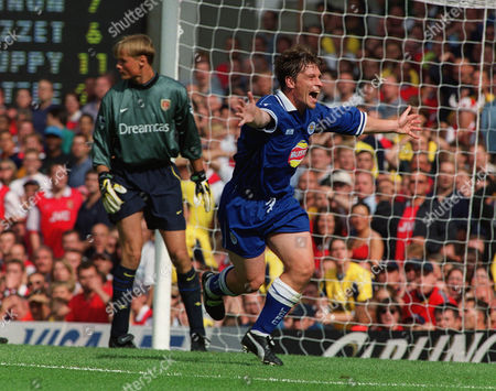 Tony Cottee (Leicester) scores for Leicester Arsenal v Leicester City 7/8/99 Great Britain London