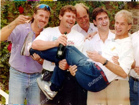 Cricketer - David Gower 1992. Cricketer David Gower Starts His Stag Day With Ian Botham Robin Smith Paul Jan Bakker And Chris Cowdrey....cricketer . **original Print Held In Kensington** Pkt5037-370183.