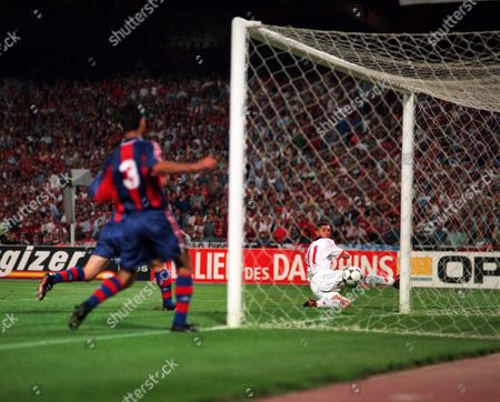 Daniele Massaro 11 (AC Milan) slides the ball into the net to score European Cup Final 94 AC Milan v Barcelona 18/5/94 Credit: Andrew Cowie / Colorsport Greece Athens
