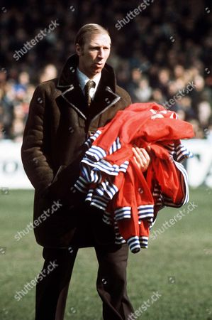Jack Charlton the Middlesbrough Manager with his players tracksuit tops Manchester City v Middlesbrough 28/3/75 Great Britain Manchester