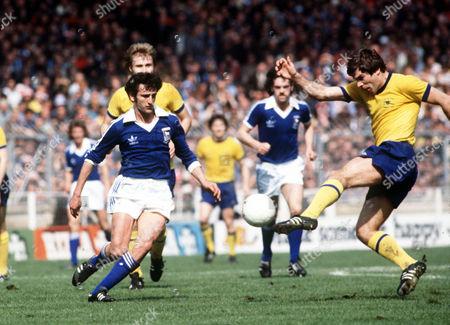 Malcolm MacDonald (Arsenal) Roger Osborne (Ipswich) Ipswich Town v Arsenal FA Cup Final Wembley Stadium 6/05/1978 Great Britain London