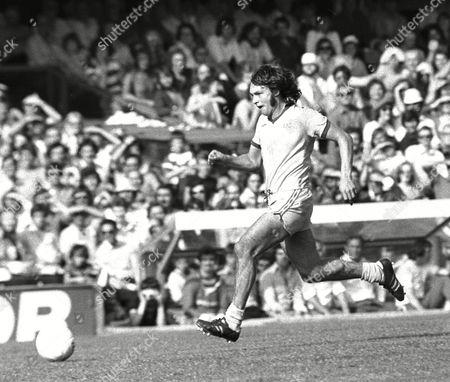 George Telfer - Everton QPR v Everton 21/8/76 Great Britain London
