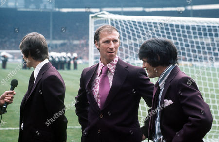 (l-r) Allan Clarke Jack Charlton and Norman Hunter before the match Leeds United v Arsenal FA Cup Final Wembley Stadium 6/05/1972 Great Britain London