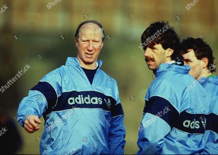 Jackie Charlton (Manager) with Mark Lawrenson during training 17/2/87 Training session Pre Scotland game Credit : Andrew Cowie/Colorsport Great Britain Eire Training Session