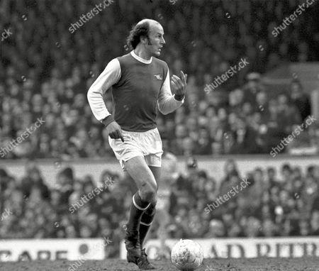 Terry Mancini - Arsenal Arsenal v Leeds United 12/4/75 Great Britain London Arsenal 1 Leeds Utd 2