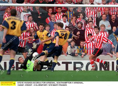 STEVE HUGHES SCORES FOR ARSENAL SOUTHAMPTON V ARSENAL 15/3/97 Great Britain Southampton