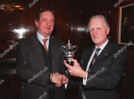 Peter Hill-Wood (Arsenal Chairman) Presentation 08/11/1998 Football 1998/9 Great Britain London