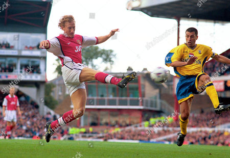 Ray Parlour (Arsenal) and Francis Benali (Southampton) Arsenal v Southampton FA Carling Premiership 17/10/98 Great Britain London