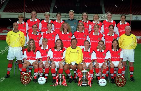 Arsenal Ladies 1999/2000 (BR L>R) ELLEN MAGGS KELLEY FEW TINA MAPES KIM JERRAY-SILVER LESLEY HIGGS TAMMY SCRIVENS LINDA WATT KIRSTY HEWITSON NINA DOWNHAM (CR L>R) LEE AKERS (ASSISTANT MANAGER) JUSTINE LORTON EMMA COSS JENNY CANTY FAYE WHITE CASEY STONEY CIARA GRANT FRED BROCKWELL (RESERVE TEAM MANAGER) (FR L>R) VICKI SLEE CAROL HARWOOD KIRSTY PEALLING VIC AKERS (GENERAL MANAGER) SIAN WILIAMS ANGELA BANKS CLARE WHEATLEY Great Britain London