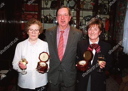 Peter Hill-Wood presents staff with gifts for long service to Arsenal Football Club Arsenal v Leeds United 28/12/99 Great Britain London