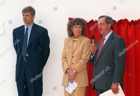 Peter Hill-Wood (Chairman) says a few words at the opening Arsene Wenger (Arsenal Manager) and Kate Howey M P Sports Minister Training Ground 11/10/99 Great Britain London