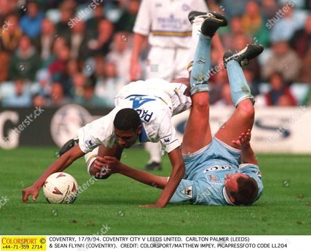 COVENTRY 17/9/94 COVENTRY CITY V LEEDS UNITED CARLTON PALMER (LEEDS) & SEAN FLYNN (COVENTRY) Great Britain COVENTRY