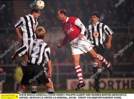 STEVE BOULD (ARSENAL) STEVE HOWEY PHILIPPE ALBERT AND WARREN BARTON (NEWCASTLE UNITED) NEWCASTLE UNITED 2:0 ARSENAL 2/01/96 Great Britain Newcastle