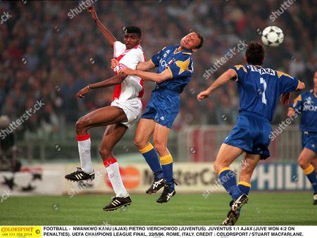 Stock Picture of FOOTBALL - NWANKWO KANU (AJAX) PIETRO VIERCHOWOD (JUVENTUS) JUVENTUS 1:1 AJAX (JUVE WON 4:2 ON PENALTIES) UEFA CHAMPIONS LEAGUE FINAL 22/5/96 ROME ITALY Italy Rome