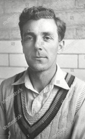 D V P Wright - Kent CCC 1948/49 Great Britain Doug Wright (Kent CCC)