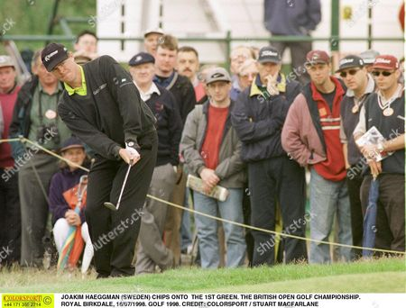 JOAKIM HAEGGMAN (SWEDEN) CHIPS ONTO THE 1ST GREEN THE BRITISH OPEN GOLF CHAMPIONSHIP ROYAL BIRKDALE 16/07/1998 GOLF 1998 Great Britain Southport
