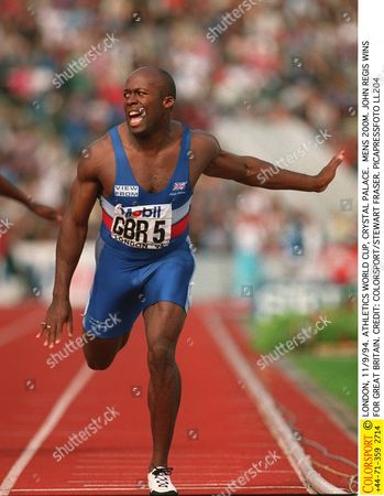 LONDON 11/9/94 ATHLETICS WORLD CUP CRYSTAL PALACE MENS 200M JOHN REGIS WINS FOR GREAT BRITAIN World Cup