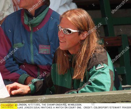 LONDON 5/7/1995 THE CHAMPIONSHIPS WIMBLEDON LUKE JENSEN (USA) WATCHES A MATCH ON COURT ONE Great Britain London