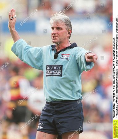 REFEREE ED MORRISON RICHMOND V NEWCASTLE FALCONS 05/09/1998 THE ALLIED DUNBAR PREMIERSHIP DIVISION 1 RUGBY UNION 1998/9 Great Britain Reading