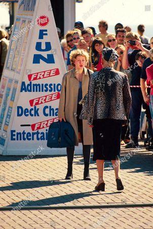 JULIE GOODYEAR AND CHLOE NEWSOME FILMING CORONATION STREET - 1999