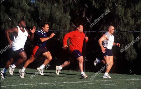 (l-r) Victor Ubogu Dave Alred Darren Garforth and Chris Forty(?) sprint training South Stradbroke Island Australia 16/06/1999 Australia England Rugby Tour