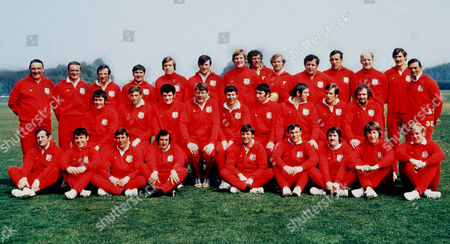 The 1971 British Lions team Squad to tour New Zealand Back Row (L>R) Dr Doug Smith Mike Gibson Chris Rea Ian McLauchlan Fergus Slattery Sandy Carmichael Derek Quinnell Mike Roberts John Spencer Sean Lynch Delme Thomas Mike Hipwell Peter Dixon Carwyn James Middle Row (L>R) Ray Hopkins Willie-John McBride Mervyn Davies Gordon Brown John Dawes Bob Hiller John charles Bevan Alistair Biggar John Taylor Front Row (L>R) Ray Mcloughlin Arthur Lewis John Pullin Gareth Edwards Barry John Frank Laidlaw Gerald Davies JPR Williams and David Duckham Great Britain 1971 British Lions