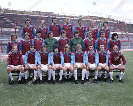Football - 1971 Summer Photocall - Aston Villa Full Squad Team Group Back (left to right): Jimmy Brown Ray Graydon Lew Chatterley Andy Lochhead Malcolm Beard Dave Gibson Michael Wright Middle: Dave Rudge Lionel Martin Charlie Aitken Geoff Crudgington Fred Turnbull Tommy Hughes George Curtis Bruce Rioch Willie Anderson Front: Vic Crowe (manager) Brian Tiler Harry Gregory Pat McMahon Ian Hamilton Neil Rioch Keith Bradley Geoff Vowden Ron Wylie (first team coach) Aston Villa - 1971/2