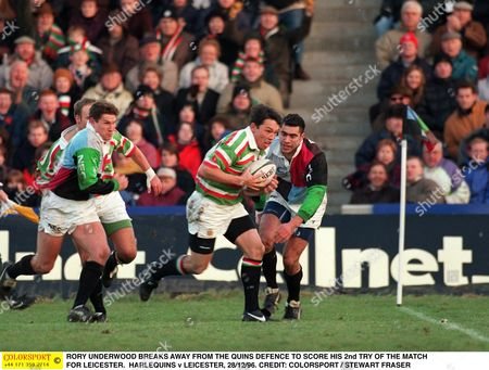 RORY UNDERWOOD BREAKS AWAY FROM THE QUINS DEFENCE TO SCORE HIS 2nd TRY OF THE MATCH FOR LEICESTER HARLEQUINS v LEICESTER 28/12/96 Great Britain London