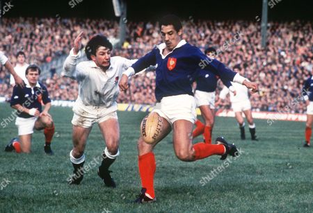 Serge Blanco (France) Richard Harding (Eng) England v France 1985 5N 1985: England 9 France 9