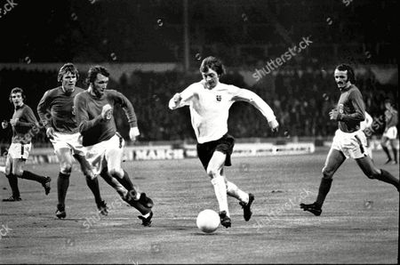 Allan Clarke (England) John Roberts and Rod Thomas (left) and Peter Rodrigues_right (Wales) Home International at Wembley 15/5/73 England 3 Wales 0