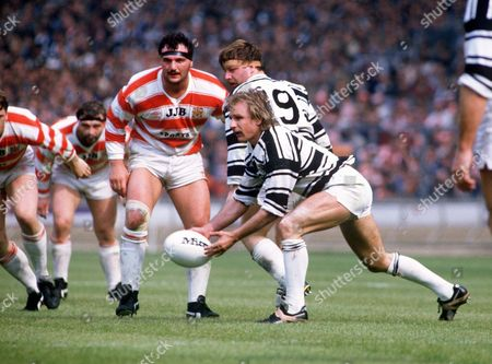 Stock Image of Peter Sterling (Hull) Wigan v Hull Rugby League Cup Final 1985 at Wembley Challenge Cup Final: Wigan 28 Hull 24