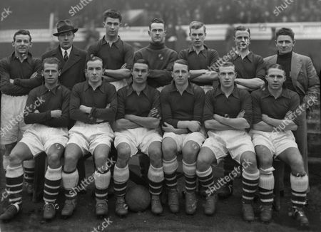 Football - 1934 / 1935 season - Arsenal Reserves (2nd XI) Team Group Back (left to right): Frank Robert 'Tiger' Hill Ray Parkin Leslie Compton Alex Wilson Reg Trim Sidney Cartwright William Milne (trainer) Front : Ralph Birkett Dr Jimmy Marshall Norman Sidey George Cox Ronnie Green Pat Beasley Arsenal Reserves - 1934/35