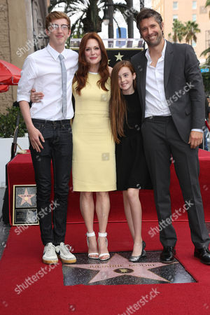 Julianne Moore and Bart Freundlich son Caleb and daughter Liv