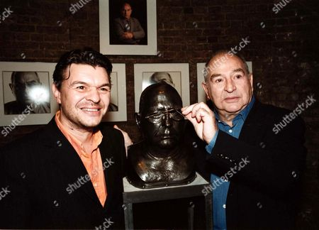 GANGSTER FREDDIE FOREMAN AND SON JAMIE WITH HIS SCULPTURE. AT THE LAUNCH OF 'CONS TO ICONS' AN EXHIBITION OF NINE BRONZE SCULPTURES AND PHOTOGRAPHS OF FAMOUS VILLAINS ETC.