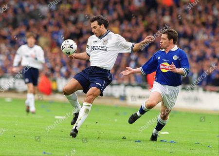 Ramon Vega (Spurs) Tony Cottee (Leic) Tottenham Hotspur v Leicester City Worthington League Cup Final 1999 Lge Cup Final: Spurs 1 Leicester 0