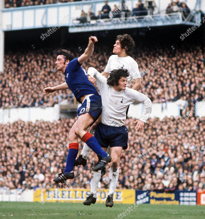 Ian Hutchinson (Chelsea) John Duncan and Keith Osgood (Tott) Tottenham Hotspur v Chelsea 19/4/75 Spurs 2 Chelsea 0