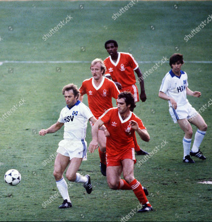 Larry Lloyd (Forest) Wili Reimann (Hamburg) Kenny Burns (behind) 28/5/80 Nottingham Forest v Hamburg European Cup Final 1980 1980 Euro Cup Final: N Forest 1 Hamburg 0