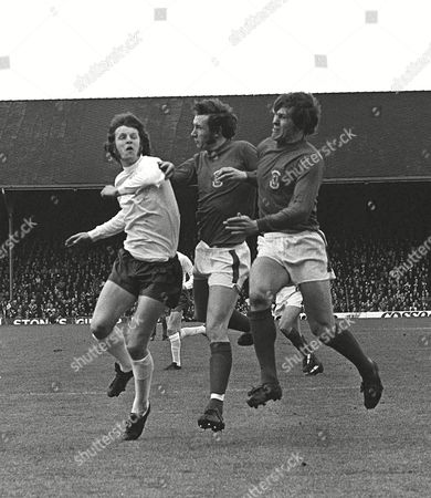 Mick Channon (Eng) John Roberts and Rod Thomas Wales v England 11/5/74 1974 Home Internationals Wales 0 England 2